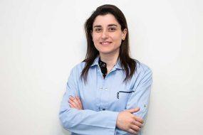 Laura Meireles, Dra.